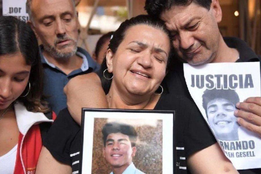 """""""El momento más duro de mi vida fue cuando recibí la noticia de su muerte"""", dijo la mamá de Fernando"""