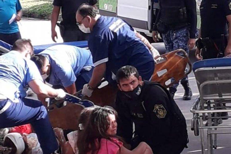 Cuatro nenas y una mujer heridas tras un accidente de tránsito