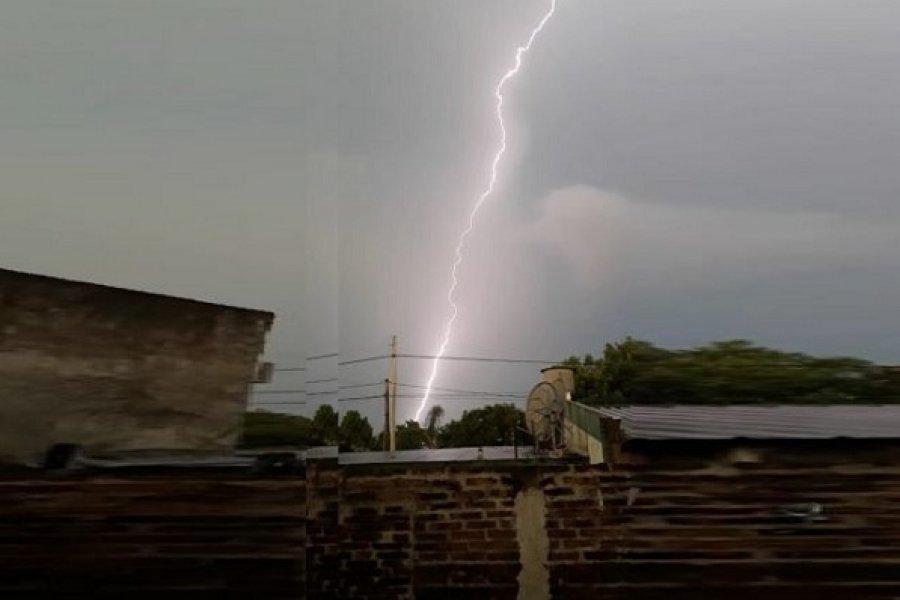 Anuncian máxima de 34 grados con probabilidad de lluvias para Corrientes