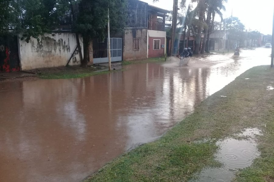 Pocos milímetros de lluvia caída provocó grandes anegamientos en Capital