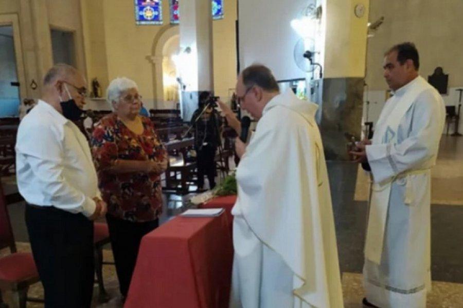Itatí: Un matrimonio celebró sus 50 años y arribaron jinetes de San Cosme
