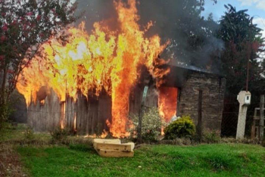 Voraz incendio consumió una vivienda en Virasoro