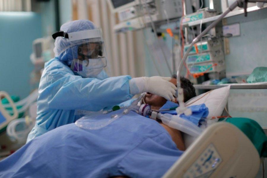 Drama en Perú: hospitales saturados y largas filas para comprar oxígeno