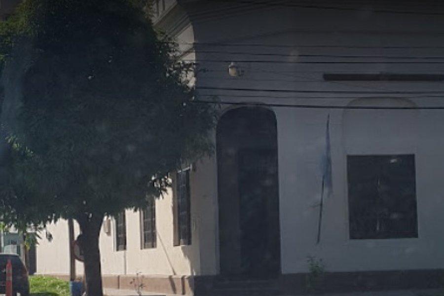 Policías aislados por la muerte de un hombre que tenia Covid-19