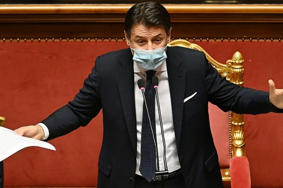 Conte renuncia como premier italiano y busca formar un nuevo Gobierno