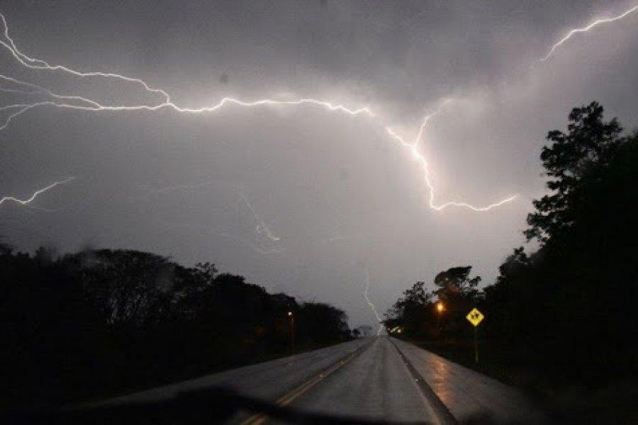 Continúa el mal tiempo: Se esperan tormentas fuertes en Corrientes
