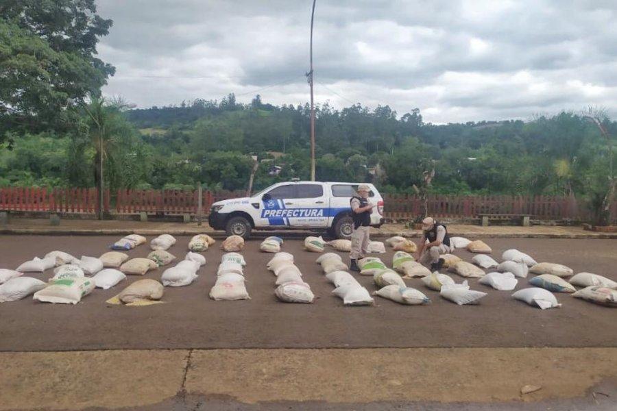 Prefectura secuestró casi 10 toneladas de soja y maíz de origen ilegal