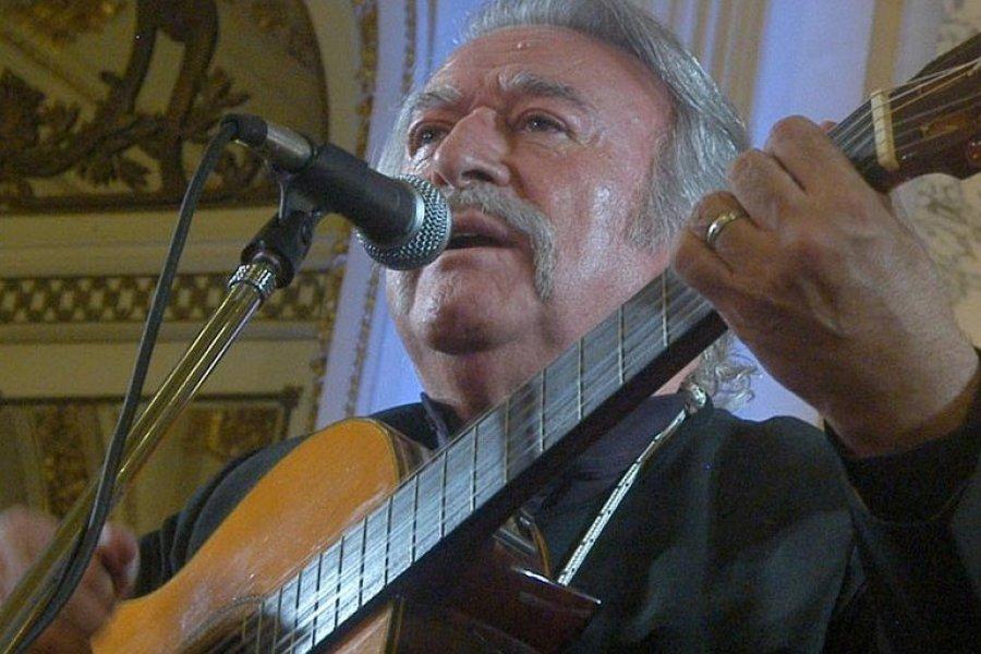 Murió César Isella, el gran compositor y cantante argentino de folklore