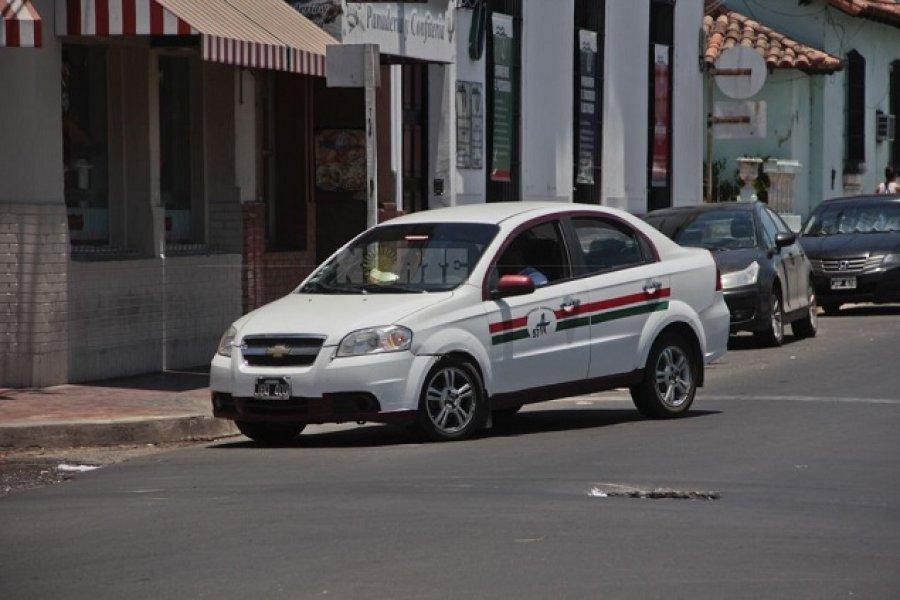 Regresan remises Chaco-Corrientes con un costo de $400
