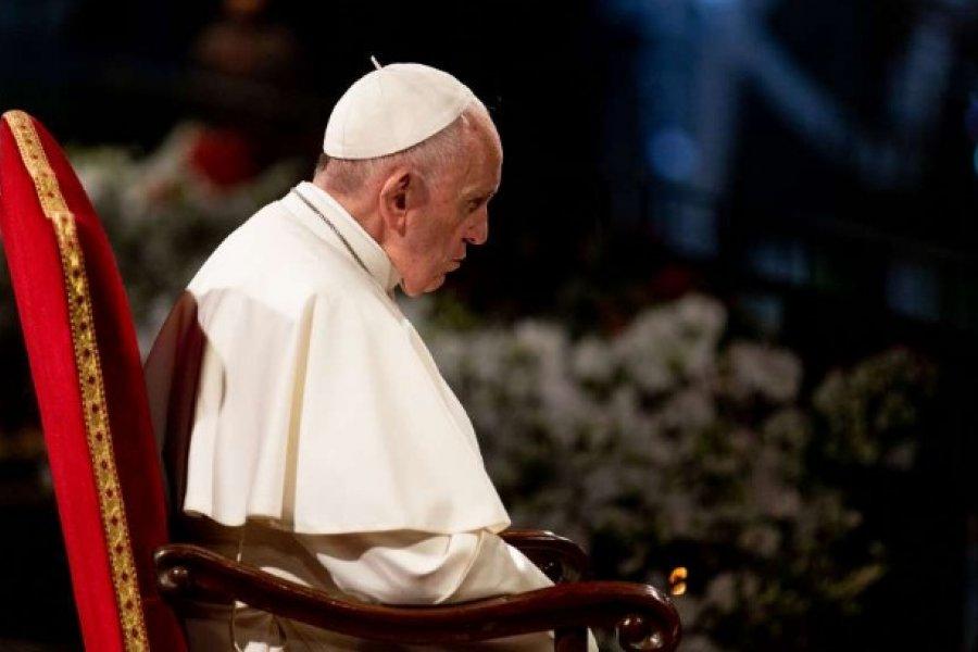 ¿El Papa será sometido a una operación por la ciática?