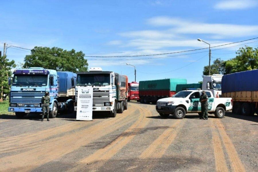 Gendarmería retuvo 12 camiones con 300 toneladas de soja