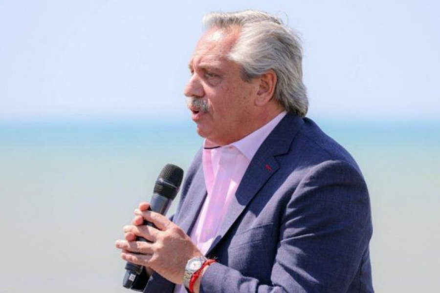 Alberto Fernández llamó a respetar el proceso electoral en Ecuador