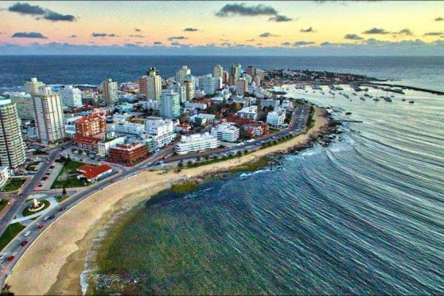 Uruguay reabre parcialmente sus fronteras