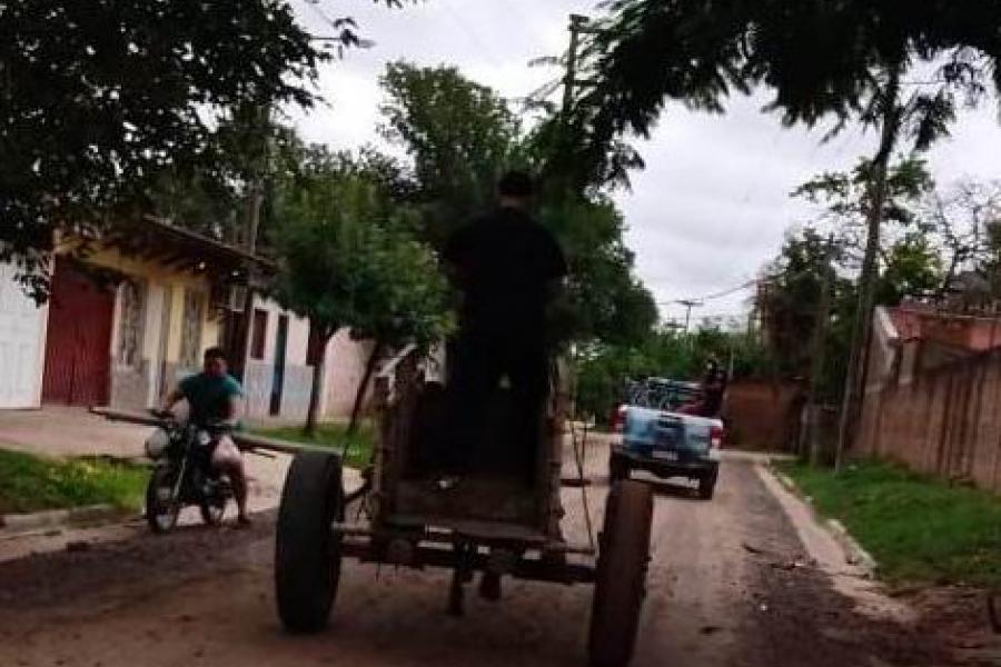 Carreros detenidos por arrebatar un teléfono celular a un ciclista