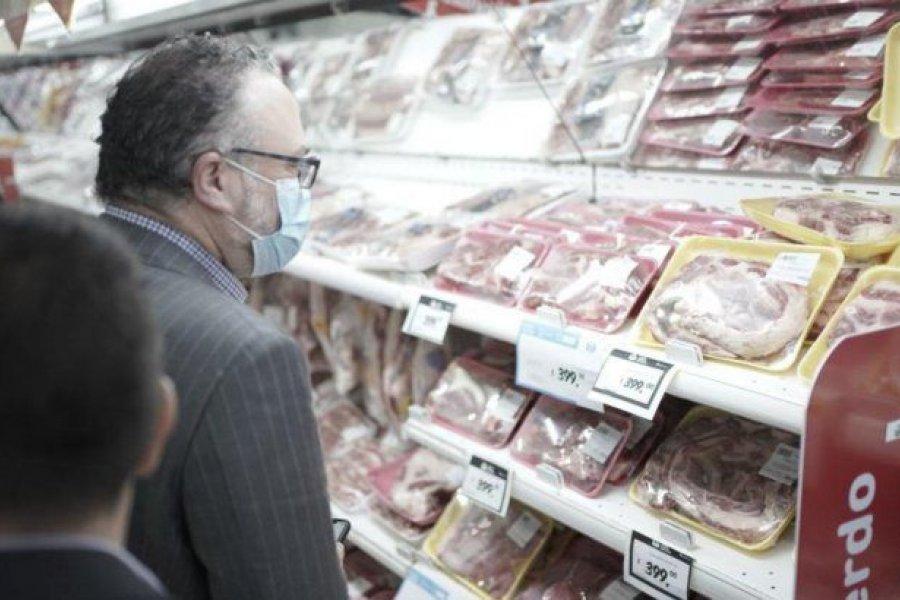 Kulfas y Español supervisaron controles de precios del plan de carnes en supermercados
