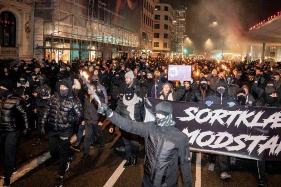 """Dinamarca: antivacunas marchan contra el """"pasaporte corona"""""""