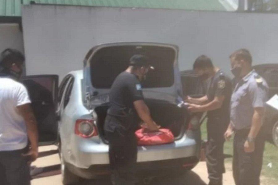 Con un inhibidor de alarmas cometía robos en vehículos estacionados