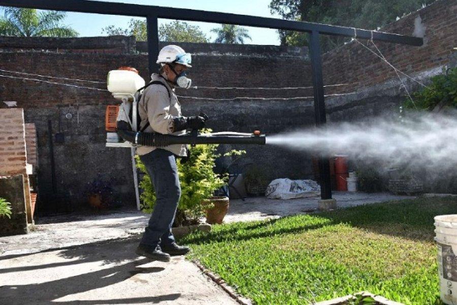 Tareas de fumigación y descacharrado en cuatro barrios de Capital