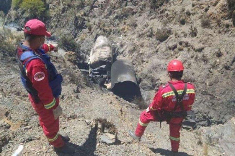 Dos argentinos murieron al explotar el camión en el que transportaban oxígeno a Bolivia