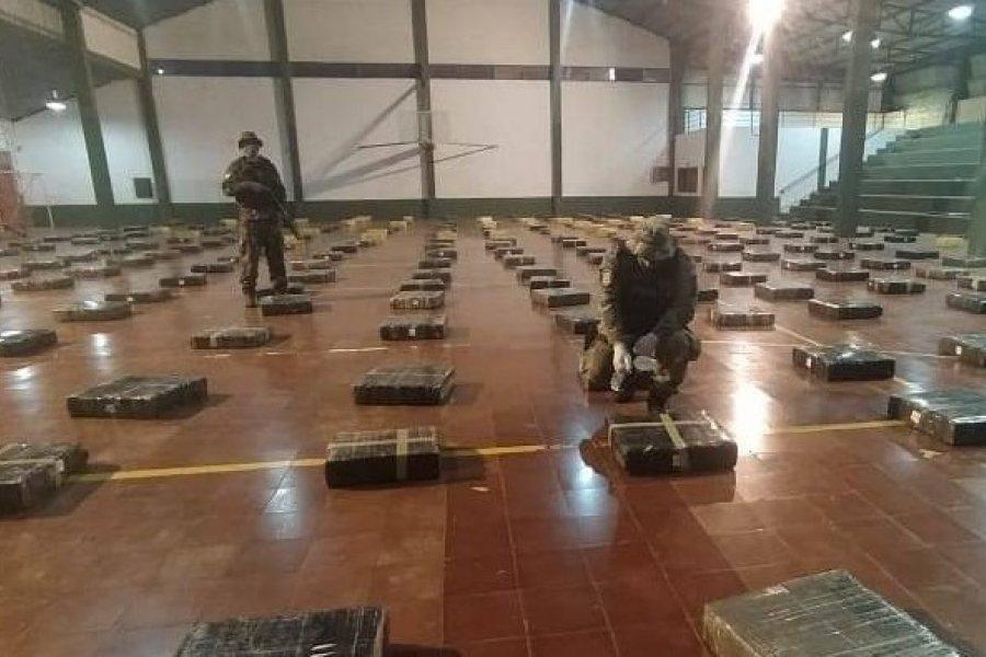 Prefectura secuestró casi nueve toneladas de marihuana en la costa del río Paraná