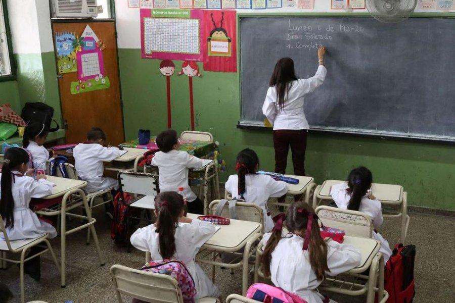 Aislaron por COVID a personal docente de una escuela en Laguna Brava