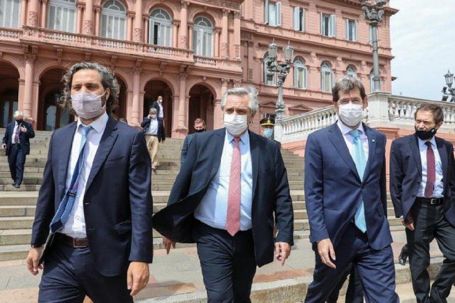 Fernández viaja a México: reuniones bilaterales, actos y visitas a laboratorios