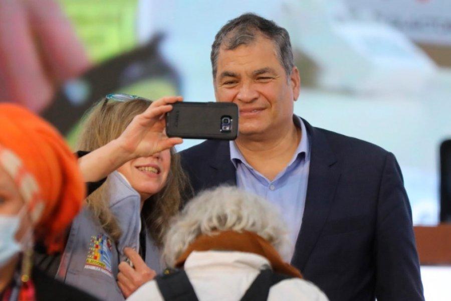 "Rafael Correa denunció ""un golpe de Estado"" en Ecuador"