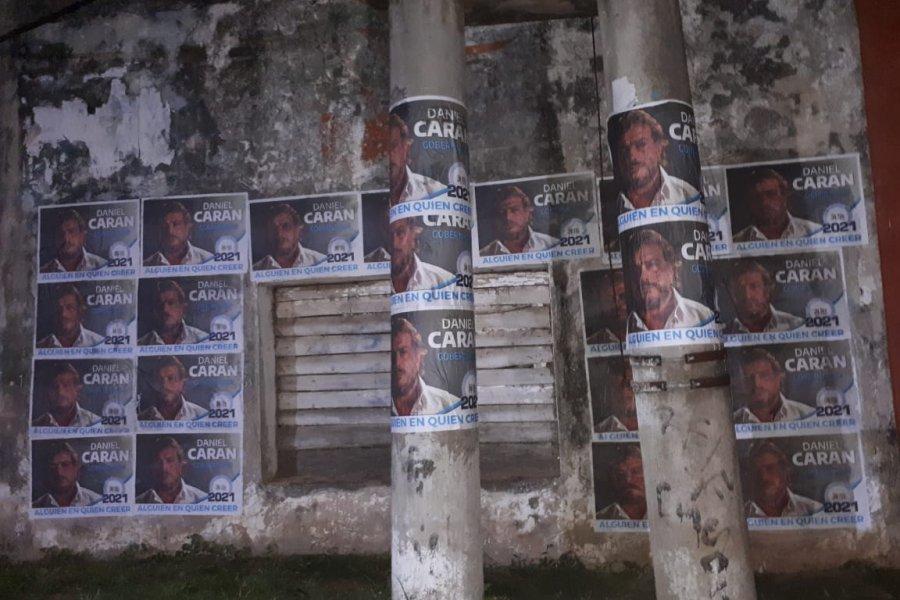 Sorpresivos afiches amanecen en Saladas Corrientes