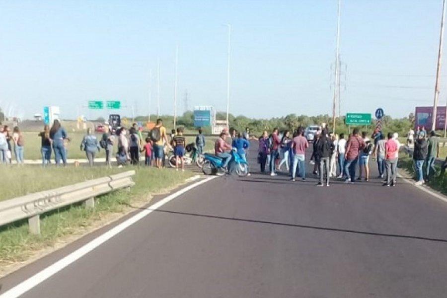 Puente interprovincial cortado por protesta social en el Chaco