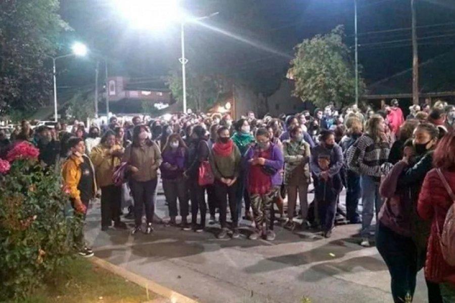 Brutal femicidio en Villa La Angostura: Apuñaló a su ex y quiso quitarse la vida