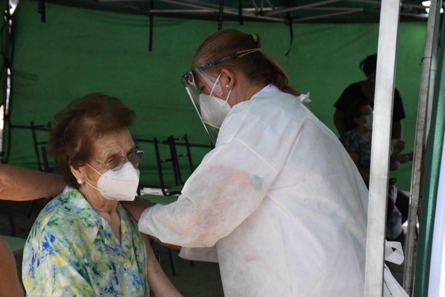 Este viernes inicia la vacunación a otros 1500 mayores de 65 años de Capital