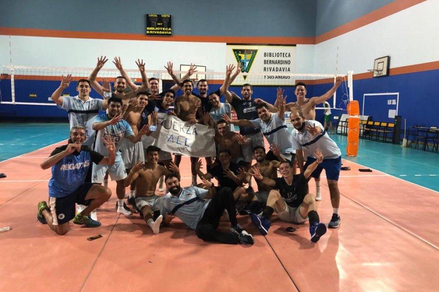 Liga Nacional de Vóleibol: Regatas se metió entre los cuatro mejores