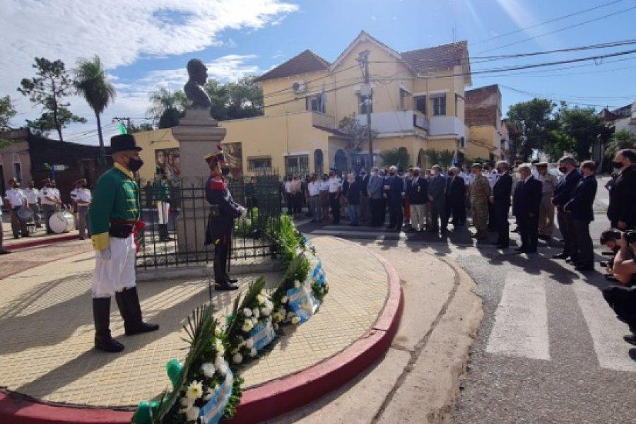 Sentido homenaje al Padre de la Patria en Capital