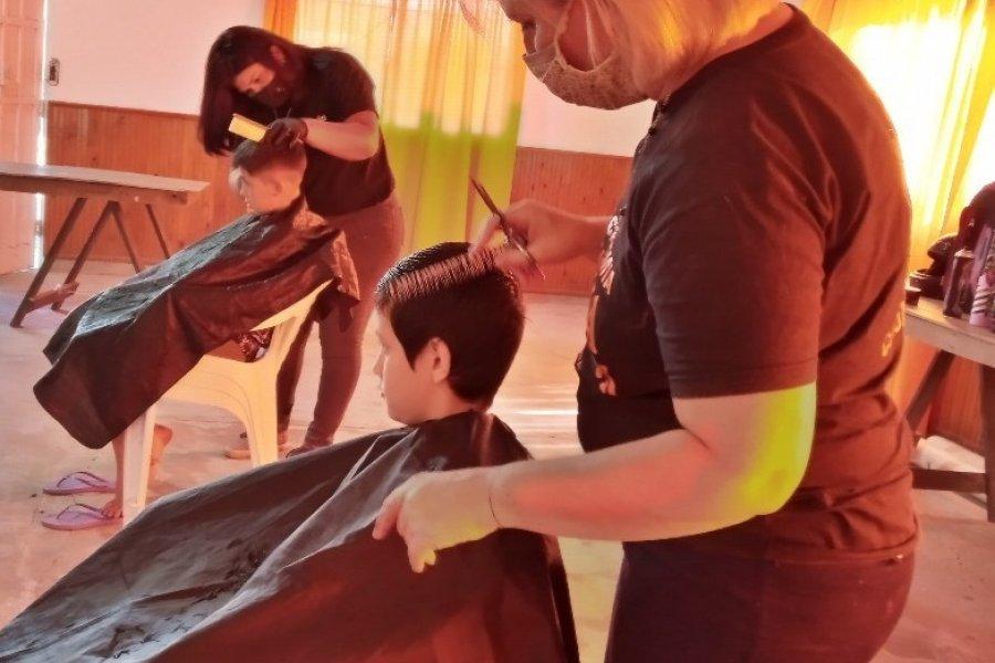 Finalizó con éxito el operativo de peluquería en barrio 246