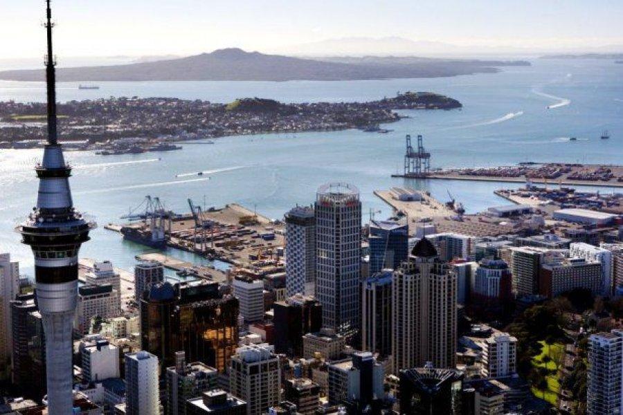 Nueva Zelanda vuelve a confinar a su mayor ciudad, con cierre de escuelas y comercios
