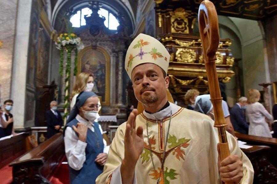 A una semana de la llegada del Papa, el embajador del Vaticano en Irak dio positivo en coronavirus