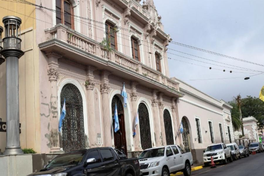 Anunciaron el pase a planta de 800 trabajadores municipales de Capital