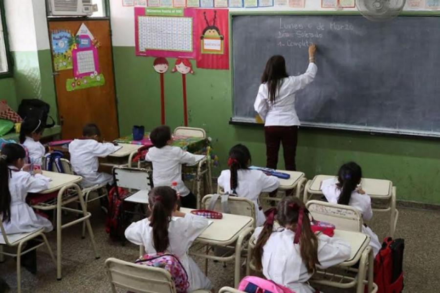 Protesta de maestros en Paso de los Libres