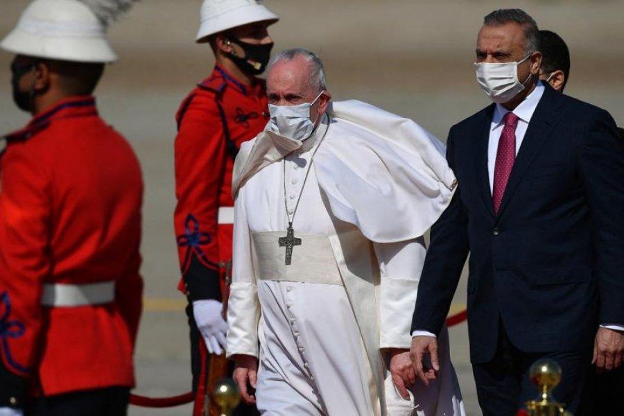 Francisco pide por los cristianos y condena la injerencia extranjera