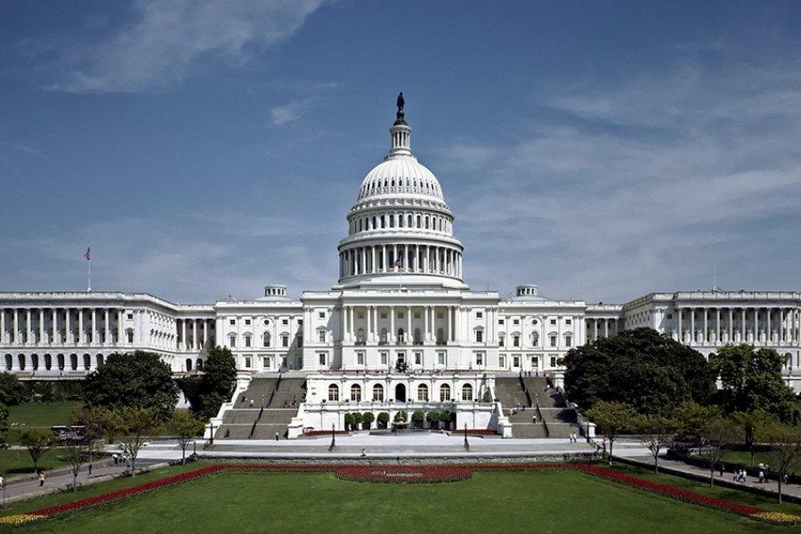 El Senado aprueba un paquete de 1,9 billones de dólares en ayuda para afrontar la pandemia
