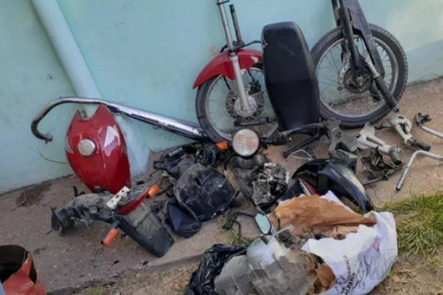 Hallaron desarmada una moto robada