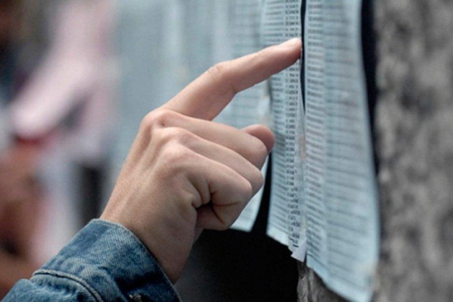 Fernández derogó tres decretos de Macri que habilitaban el voto postal anticipado