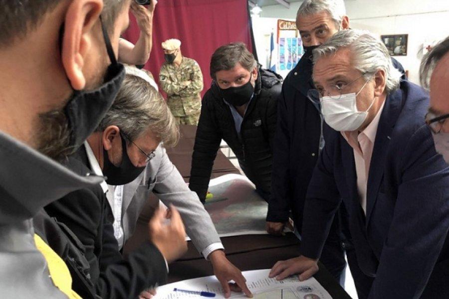 El Presidente supervisa en Lago Puelo las zonas afectadas por incendios en Chubut