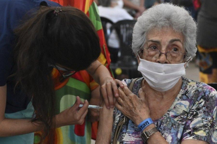 Aumenta el ritmo de vacunación en el país: llegan a casi 200.000 dosis por día