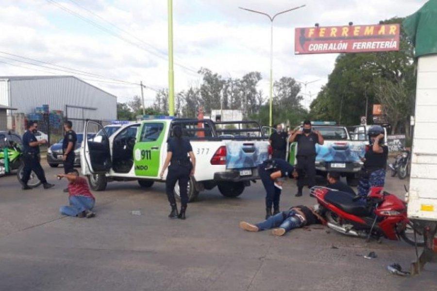 Motochorros chocaron contra un camión cuando intentaban huir