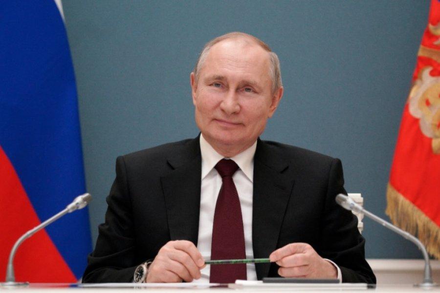 """Vladimir Putin le respondió a Joe Biden: """"El que lo dice lo es"""""""
