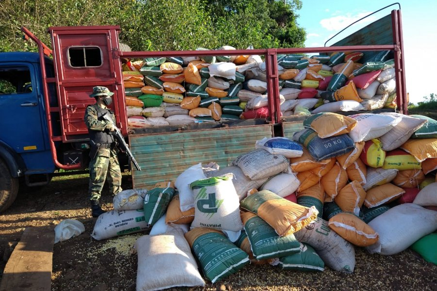 Prefectura Naval decomisó 10 toneladas de maíz