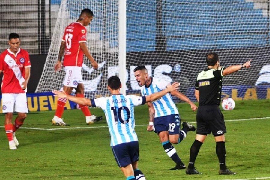Racing acertó y logró una ajustada victoria frente a Argentinos Juniors