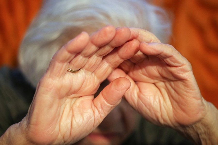 Investigan presunto abuso de una mujer internada en un geriátrico