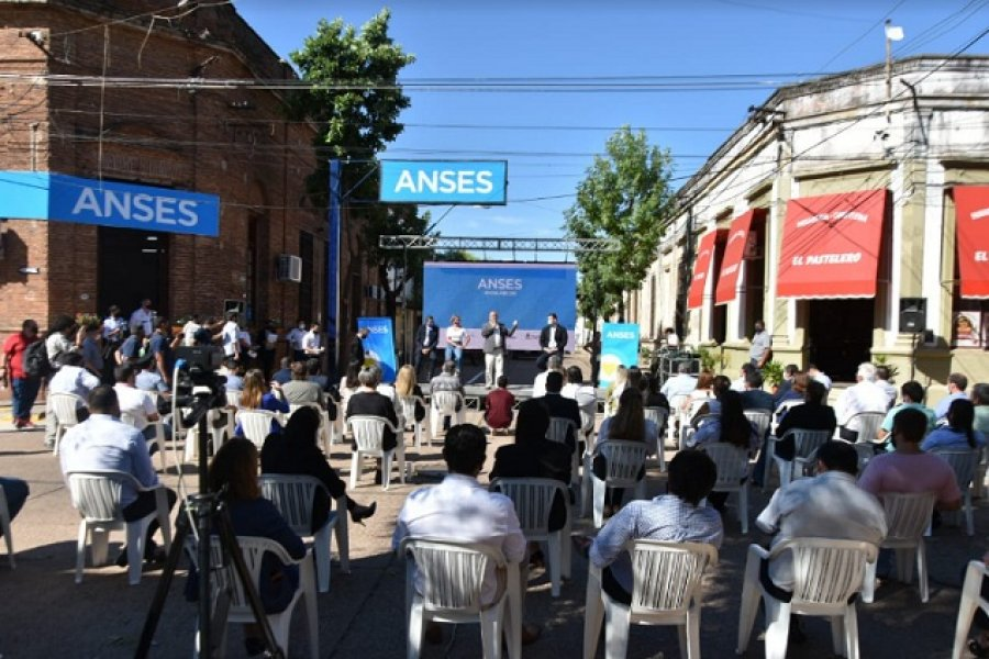 Diego Caram junto a funcionarios de Nación inauguraron nueva sede de Anses en Mercedes